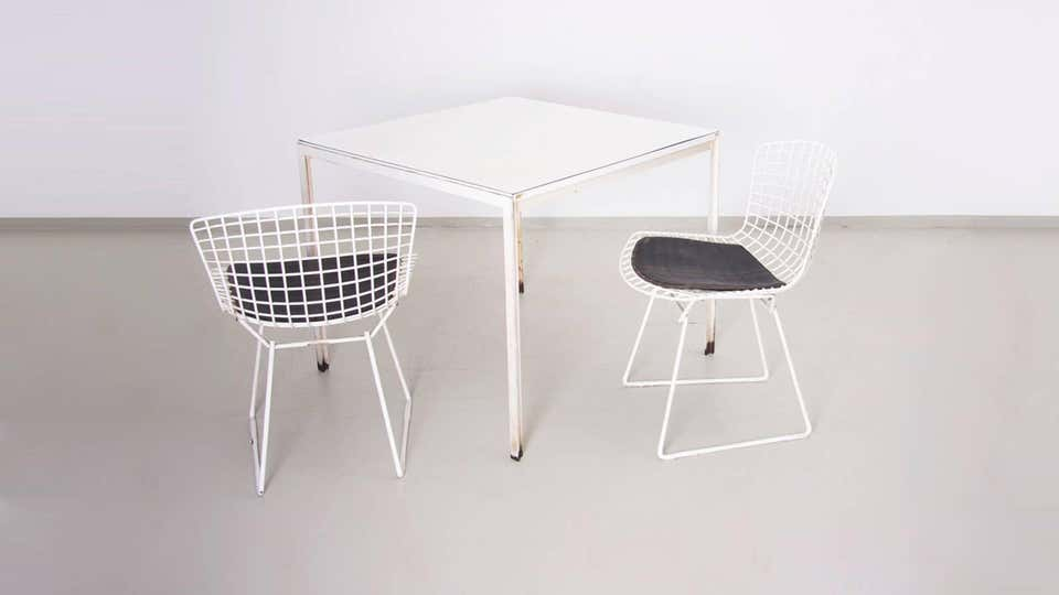 Set Of Florence Knoll Dining Table With Two Bertoia Side Chairs