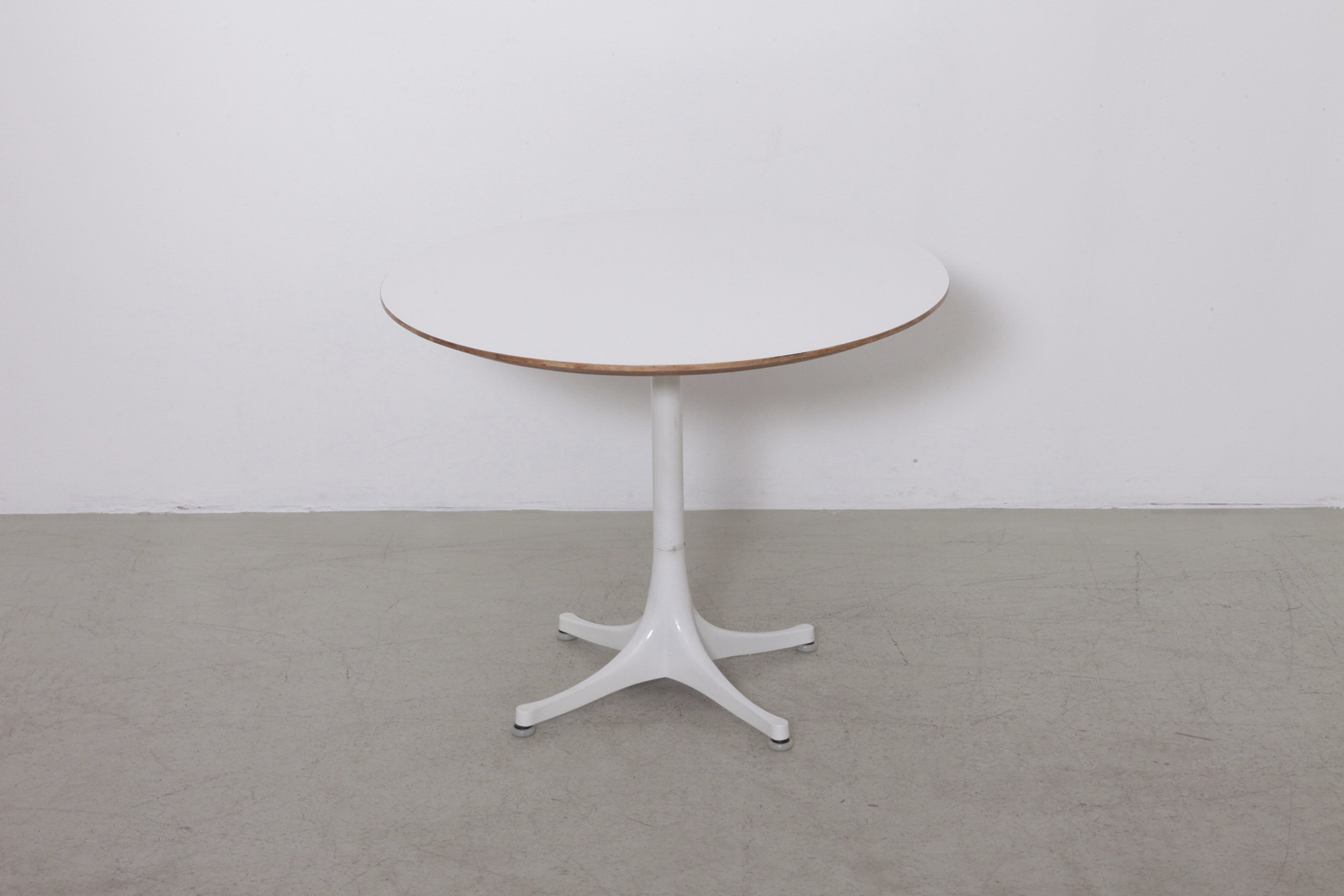 5452 pedestal side coffee table by